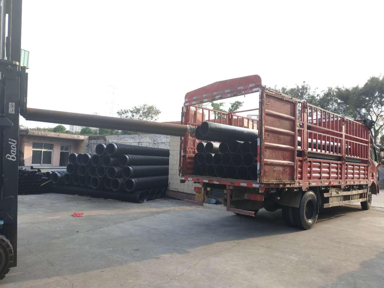 海诚HDPE管材出货